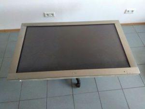 LG Flatron 42 cale monitorn VGA